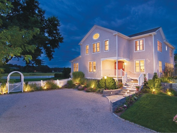 Casa Unifamiliar for sales at The Pearl of Fence Creek 155 Middle Beach Rd Madison, Connecticut 06443 Estados Unidos