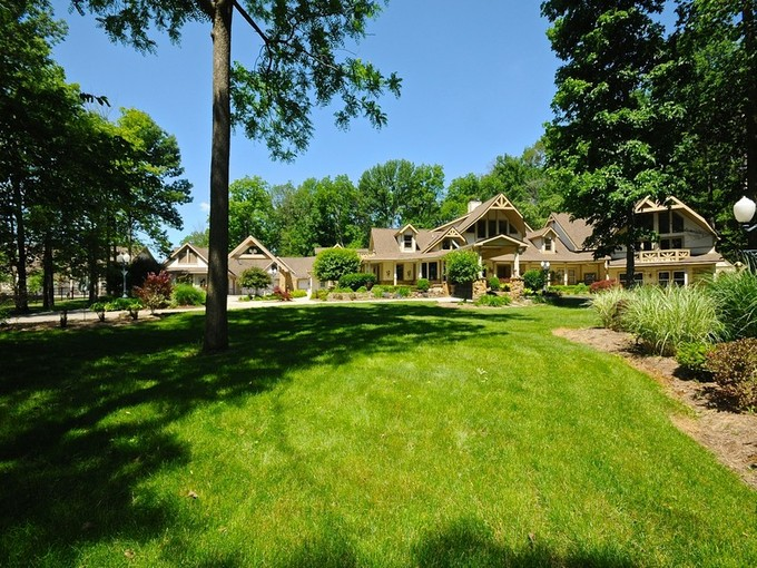 獨棟家庭住宅 for sales at Incredible Estate on Over 100 Acres 7258 N State Road 39 Lizton, 印第安那州 46149 美國
