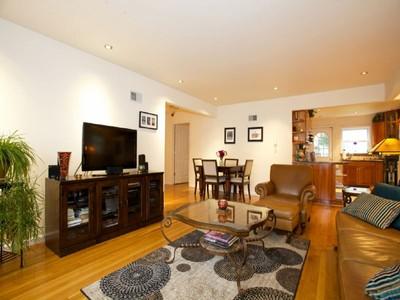 "Apartamentos multi-familiares for sales at ""Boulevard East Gem and Rare Opportunity"" 7417-19 Boulevard East North Bergen, Nova Jersey 07047 Estados Unidos"