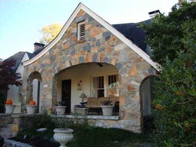 Casa para uma família for sales at Golf Course View 135 Montgomery Ferry Drive NE Atlanta, Geórgia 30309 Estados Unidos