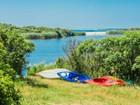独户住宅 for  sales at Chilmark Pond Retreat 2 Youngs Way  Chilmark, 马萨诸塞州 02535 美国