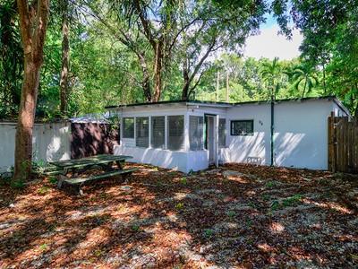 Maison unifamiliale for sales at CBS Cottage 370 Buttonwood Dr   Key Largo, Florida 33037 États-Unis