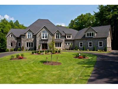 Casa Unifamiliar for sales at 7 Taymor Trail   Clifton Park, Nueva York 12065 Estados Unidos