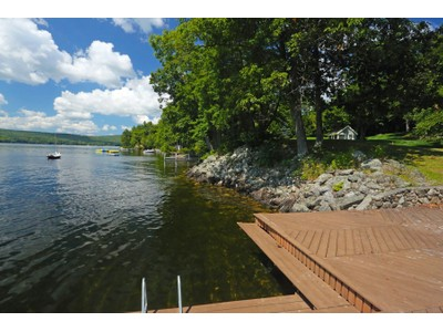 Moradia for sales at Pleasant Lake 910 Lakeshore Drive New London, New Hampshire 03257 Estados Unidos