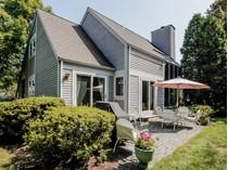Condominio for sales at Contemporary Luxury Town House 230 New Canaan Avenue #4  Silvermine, Norwalk, Connecticut 06850 Estados Unidos