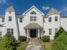Casa para uma família for sales at Excellent Location With Panoramic Views 1 Clock Tower Drive Wellesley, Massachusetts 02481 Estados Unidos