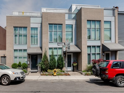 Vivienda unifamiliar for sales at Spacious Contemporary Showcase 21 Bright Street, #6 Toronto, Ontario M5A3H5 Canadá