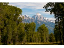 Land for sales at More Than 70 Acres on the Snake River    Jackson, Wyoming 83001 Vereinigte Staaten
