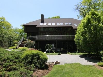 独户住宅 for sales at Spectacular Contemporary 93 Graenest Ridge Road Wilton, 康涅狄格州 06897 美国