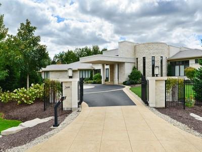 Nhà ở một gia đình for sales at Absolutely Stunning Estate! 2600 Telegraph Road Bannockburn, Illinois 60015 Hoa Kỳ