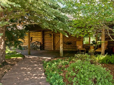Nhà ở một gia đình for sales at Inspired Log Home Living in the Aspens 3805 S Lake Creek Dr West Bank North, Wyoming 83014 Hoa Kỳ