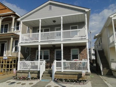 Condominio for sales at 3829 West 3829 West Avenue #1 Ocean City, New Jersey 08226 Stati Uniti