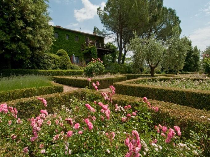 Частный односемейный дом for sales at Роскошная вилла в Кьянти Классико Badia a Passignano Greve In Chianti, Florence 50022 Италия