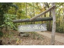 Casa Unifamiliar for sales at 9900 Arahatteck Trail    Richmond, Virginia 23231 Estados Unidos