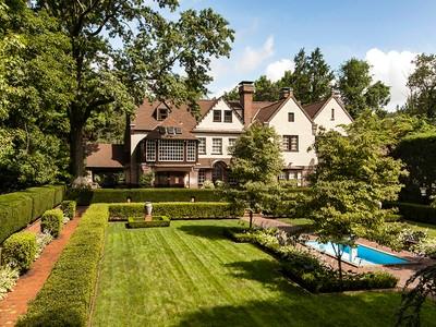 Частный односемейный дом for sales at Borie Estate 0000 Washington Lane  Jenkintown, Пенсильвания 19046 Соединенные Штаты