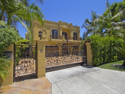 独户住宅 for sales at 15049 Greenleaf St  Sherman Oaks, California 91403 United States