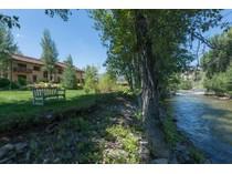 独户住宅 for sales at Riverfront Serenity   North Of Ketchum, Ketchum, 爱达荷州 83340 美国