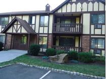 Condominio for sales at Lovely North End Condo in Great Condition 2 Teresa Place #2   Bridgeport, Connecticut 06606 Estados Unidos