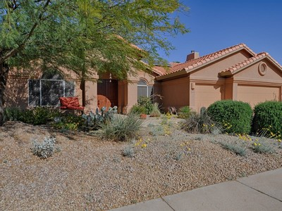 Einfamilienhaus for sales at Beautiful Updated Home in Mountain Park Ranch 15417 S 25th Place Phoenix, Arizona 85048 Vereinigte Staaten