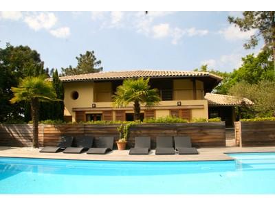 Villa for sales at Pyla sur mer, Villa 5 chambres avec vue Bassin  Pyla Sur Mer, Aquitania 33115 Francia