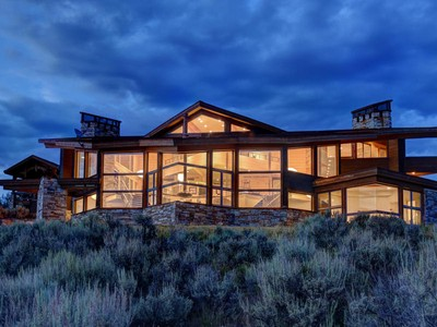 Villa for sales at Modern Contemporary Masterpiece 7871 N West Hills Trl Park City, Utah 84098 Stati Uniti
