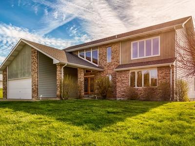 Villa for sales at Premier horse training facility with a custom 4 bedroom home 1680 Duello Road   Lake St. Louis, Missouri 63367 Stati Uniti