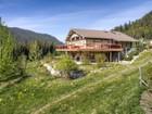 Casa para uma família for sales at Ski-In Ski-Out Home With Panoramic Views 2230 Sunburst Drive Sun Peaks, Columbia Britanica V0E 5N0 Canadá