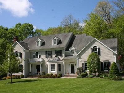 Villa for sales at Stately Colonial 225 Nod Road Ridgefield, Connecticut 06877 Stati Uniti