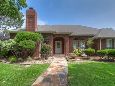 獨棟家庭住宅 for sales at 6724 Trinity Landing Drive  Fort Worth, 德克薩斯州 76132 美國