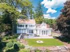 Einfamilienhaus for sales at Hidden Waterfront Gem c.1830 7 Bank Lane Essex, Connecticut 06426 Vereinigte Staaten