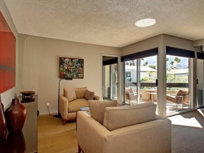 共管式独立产权公寓 for sales at 1490 S Camino Real  Palm Springs, 加利福尼亚州 92264 美国