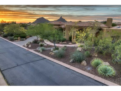 Vivienda unifamiliar for sales at Beautiful Updated 4 Bedroom in a Picturesque Setting in Guard Gated Glenn Moor 10801 E Happy Valley Rd #75  Scottsdale, Arizona 85255 Estados Unidos
