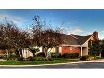 Casa para uma família for sales at 6192 Oakbrook Drive    Huntington Beach, Califórnia 92648 Estados Unidos