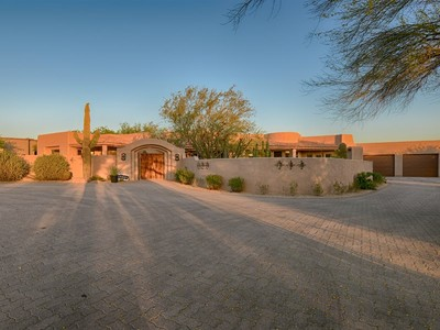 Vivienda unifamiliar for sales at Bright Newly Remodeled Southwest-style Home With Contemporary Finishes 38405 N 95th Street #54 Scottsdale, Arizona 85262 Estados Unidos