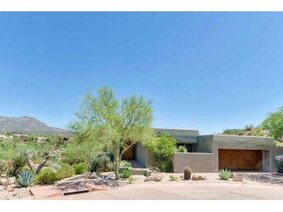 Stadthaus for sales at Fabulous Updated Sonoran Cottage In Desert Mountain 10020 E Graythorn Drive Scottsdale, Arizona 85262 Vereinigte Staaten