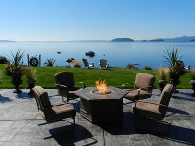 단독 가정 주택 for sales at Samish Island 9690 Samish Island Rd Bow, 워싱톤 98232 미국