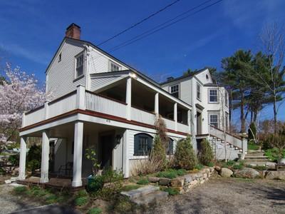Maison unifamiliale for sales at 416 York Street  York, Maine 03909 États-Unis