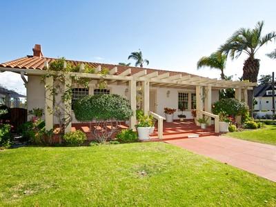 Maison unifamiliale for sales at Island Classic 475 A Ave  Coronado, Californie 92118 États-Unis