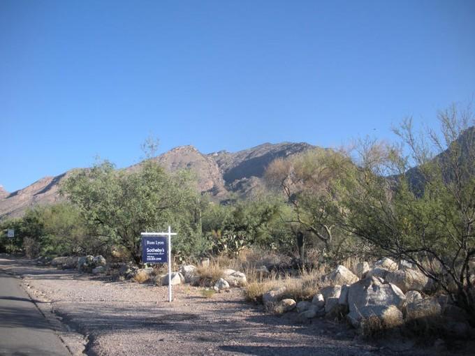 Đất đai for sales at Lush Buildable Gentle 1.27 Acre Custom Homesite 6550 N Kolb Road Tucson, Arizona 85750 Hoa Kỳ