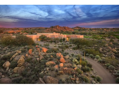 Villa for sales at Exquisite Residence in Dramatic Troon North Setting 10198 E Duane Lane  Scottsdale, Arizona 85262 Stati Uniti