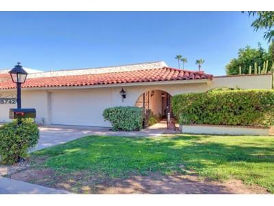 Частный односемейный дом for sales at Charming, Bright Patio Home With A Santa Fe Flair In A Fabulous Location 5742 N Scottsdale Rd Paradise Valley, Аризона 85253 Соединенные Штаты