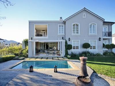 Casa Unifamiliar for sales at Colonial French Villa on Val de Vie Polo Estate Paarl, Provincia Occidental Del Cabo Sudáfrica