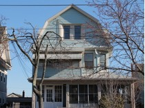 Casa Multifamiliar for sales at Lovely Three Family Home 1070 Noble Avenue   Bridgeport, Connecticut 06608 Estados Unidos
