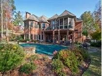 Casa para uma família for sales at Masterpiece on Golf Course, Royal Lakes 4560 Thornbury Close Way   Flowery Branch, Geórgia 30542 Estados Unidos