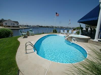 Maison unifamiliale for sales at Bayfront Oasis 191 Route 35 South  Mantoloking, New Jersey 08738 États-Unis