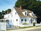 Einfamilienhaus for sales at Picture Perfect Cape 31 Pratt Street Essex, Connecticut 06426 Vereinigte Staaten