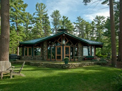 Casa para uma família for sales at Kittery Point Saltwater Retreat on 5.4+/- Acres 17 Folcutt Road Kittery, Maine 03905 Estados Unidos