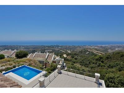 Частный односемейный дом for sales at Modern Style villa Altos de Los Monteros Marbella, Андалусия 29600 Испания
