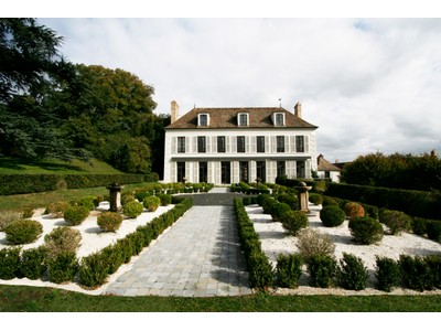 Villa for sales at Downtown XVIIIth Property  Other France, Altre Zone In Francia 78640 Francia