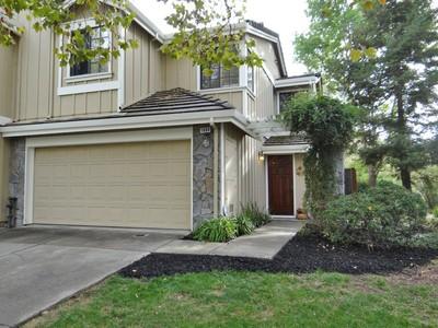 Maison unifamiliale for sales at Desirable Brookview Duet 1080 Shady Creek Place   Danville, Californie 94526 États-Unis